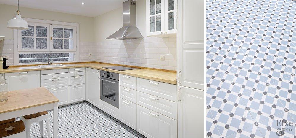 Reforma en un d plex abuhardillado de estilo ingl s - Gresite para cocinas ...